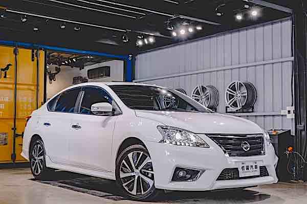 Nissan Sentra Aero 2015年 旗艦