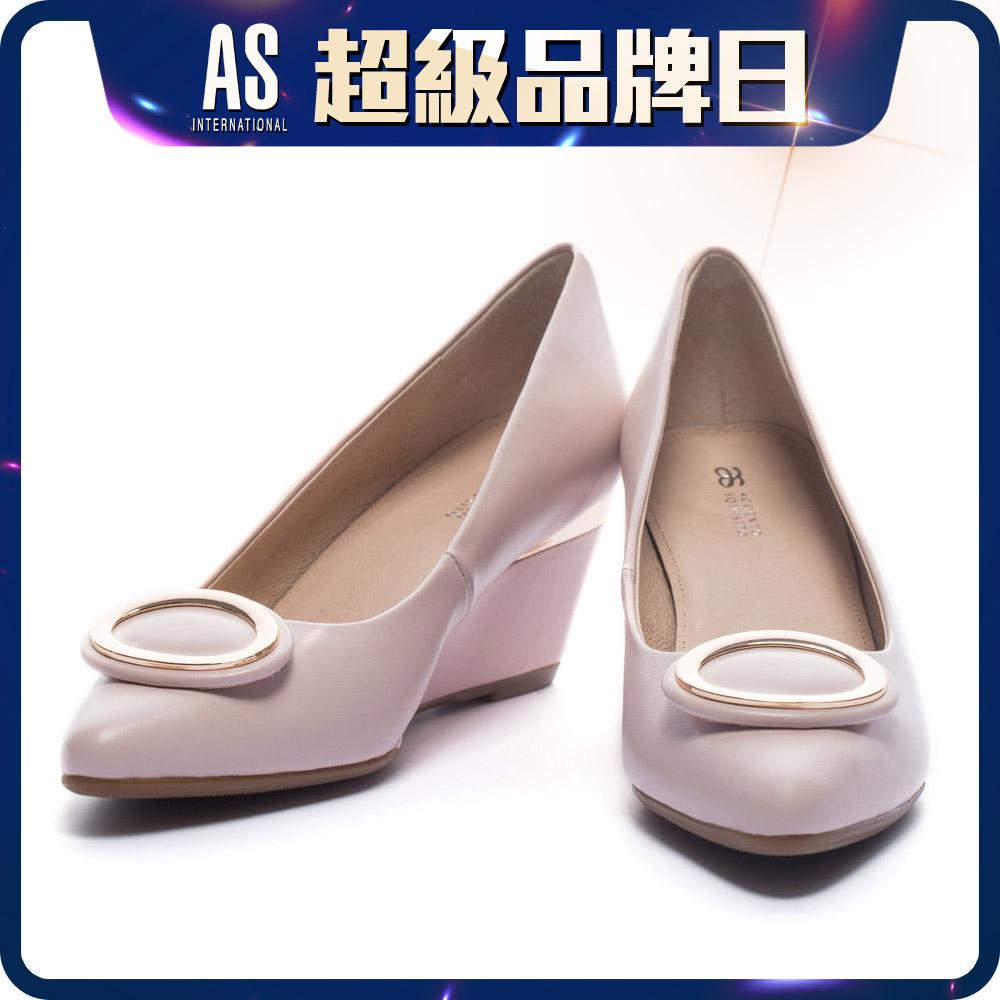 橢圓釦羊皮尖頭楔型跟鞋
