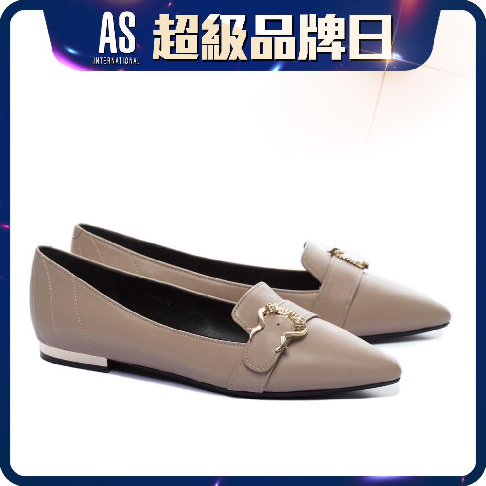 飾釦真皮尖頭平底鞋