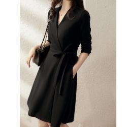 經典修身連身裙小黑裙