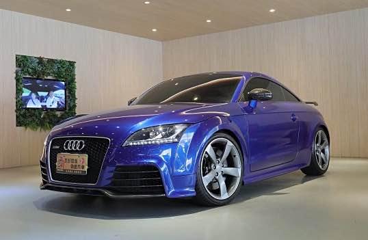 2010年 Audi TTRS