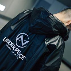 UNDER PEACE標準LOGO雨衣