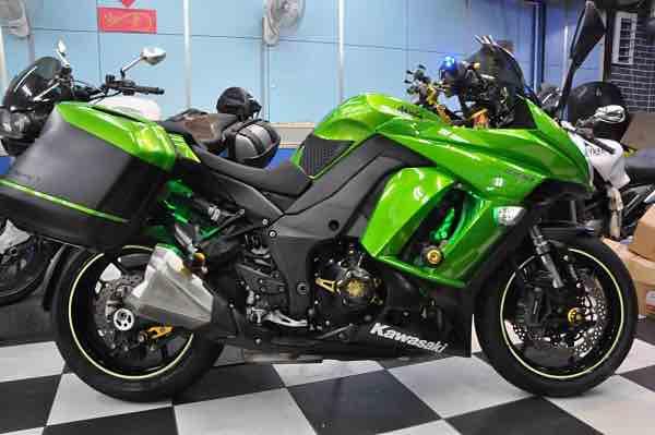 Kawasaki Z1000sx 少跑 1萬9仟公里