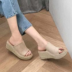 好穿一字草編6.5cm厚底楔形涼拖鞋