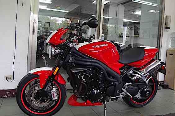 2011 TRIUMPH SPEEDTRIPLE 1050