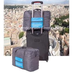 可調長度或摺疊收納,也可掛在行李箱上隨行。