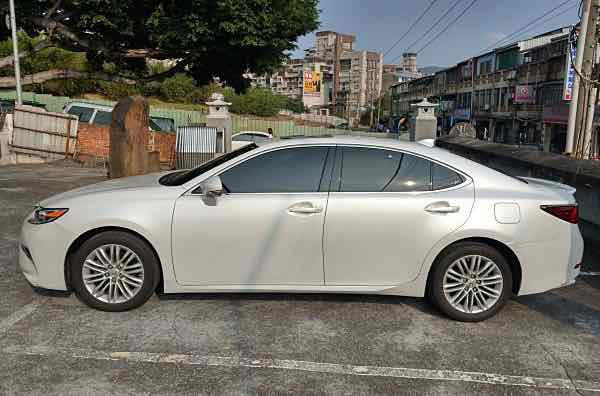 Lexus ES200 2016年式 201507出廠