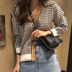 時髦格紋針織V領外套