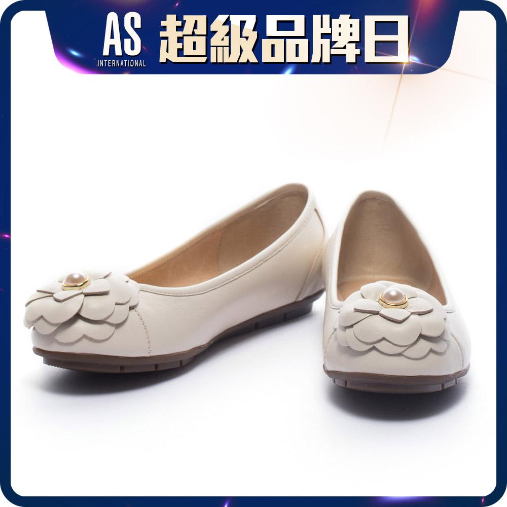 珍珠山茶花真皮娃娃鞋