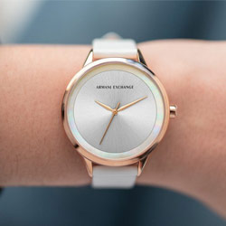 ARMANI EXCHANGE玫瑰金錶