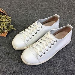 後踩兩穿超柔軟小白鞋