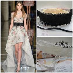 蕾絲腰封米蘭同步時尚新款發表