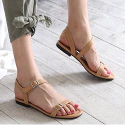 正韓製氣質亮麗細條一字皮帶扣造型平底涼鞋