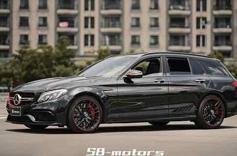 2016 M-BENZ C63S Estate Edition1
