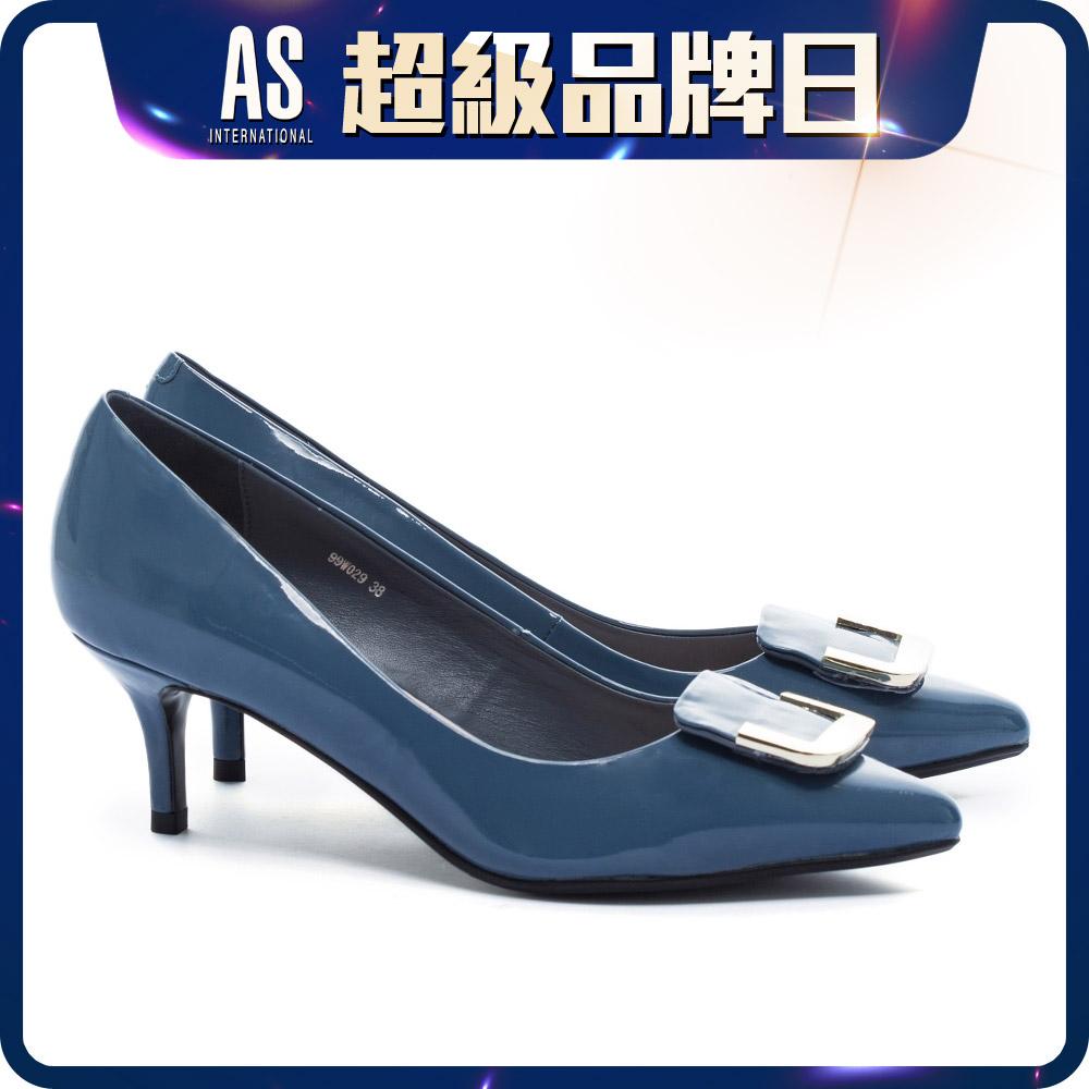 金屬釦飾漆皮高跟鞋