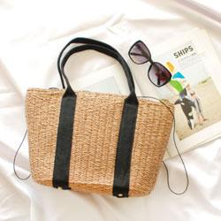 沙灘夏日度假必備草編包