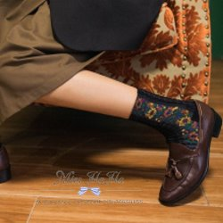 復古森系女孩浮雕麻花織紋花朵襪