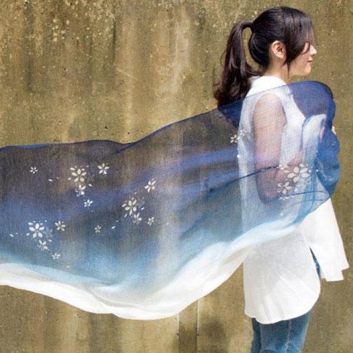 桐花藍染絲棉圍巾