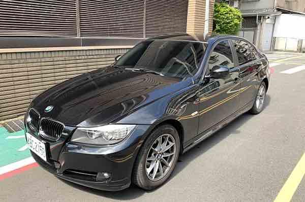 2009年  BMW 320i
