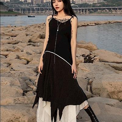 設計所在Style-分解結構吊帶不規則銅氨絲洋裝