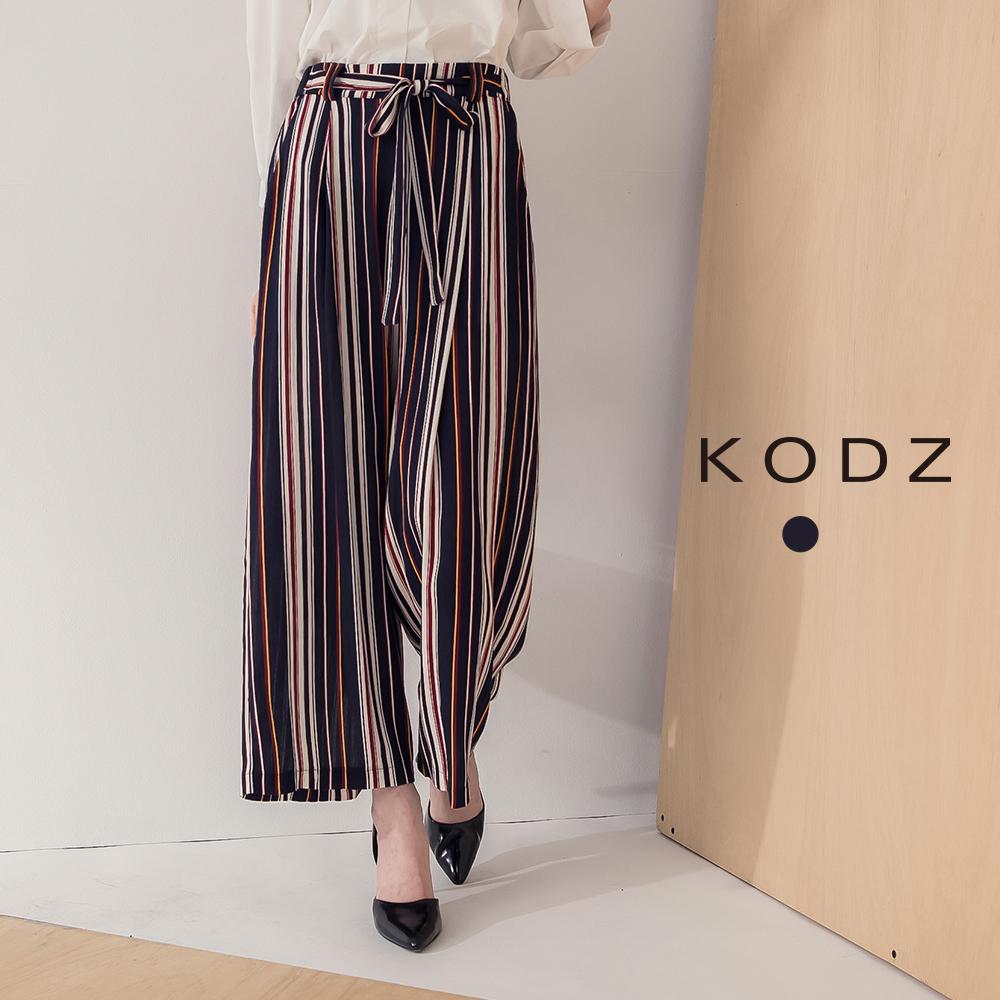 東京著衣-KODZ 渡假氣氛腰鬆緊綁帶直紋雪紡寬褲-S.M.L