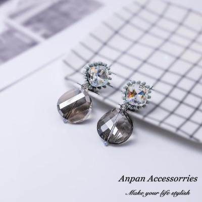 【Anpan 愛扮】 韓東大門波西米亞彩色透明水晶925銀針耳釘式耳環-灰色水晶