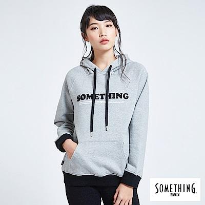 SOMETHING 青春高校 撞色繡花連帽T恤-女-麻灰