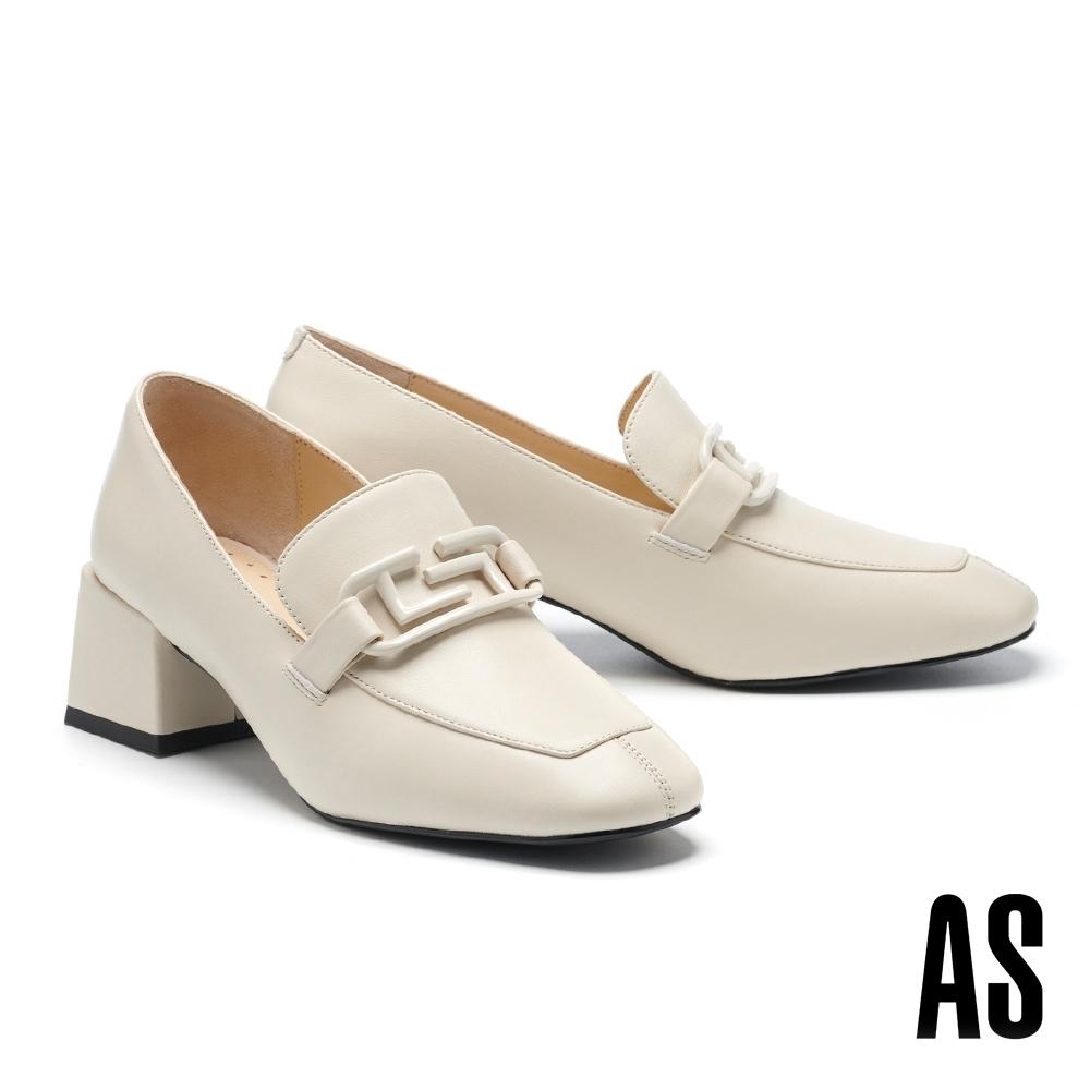 低跟鞋 AS 文藝復古風烤漆方釦羊皮方頭樂福高跟鞋-米