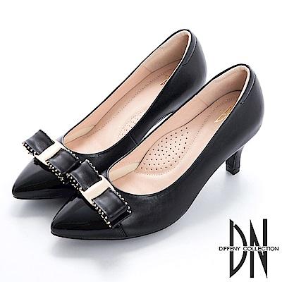 DN 都會時尚 立體飾釦雙色尖頭跟鞋-黑