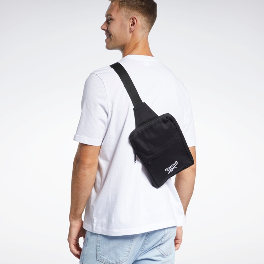 Reebok CL FO SLING BAG  側背 肩背包-黑-GK8147