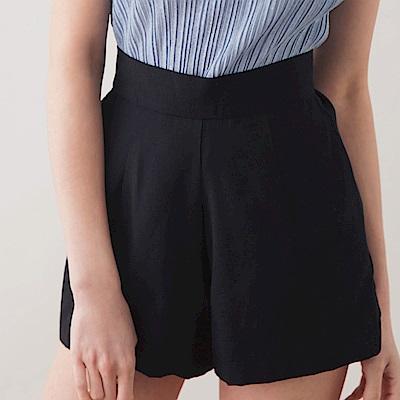 AIR SPACE LADY 質感純色高腰短褲 (黑)