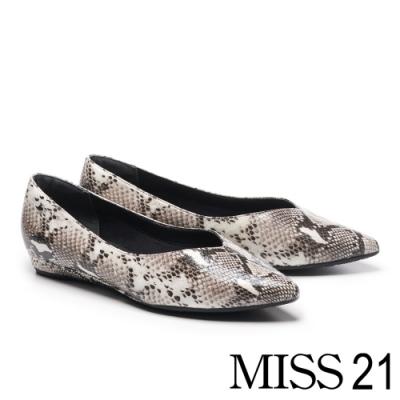 低跟鞋 MISS 21 簡約時髦蛇紋鉚釘點綴尖頭低跟鞋-蛇紋