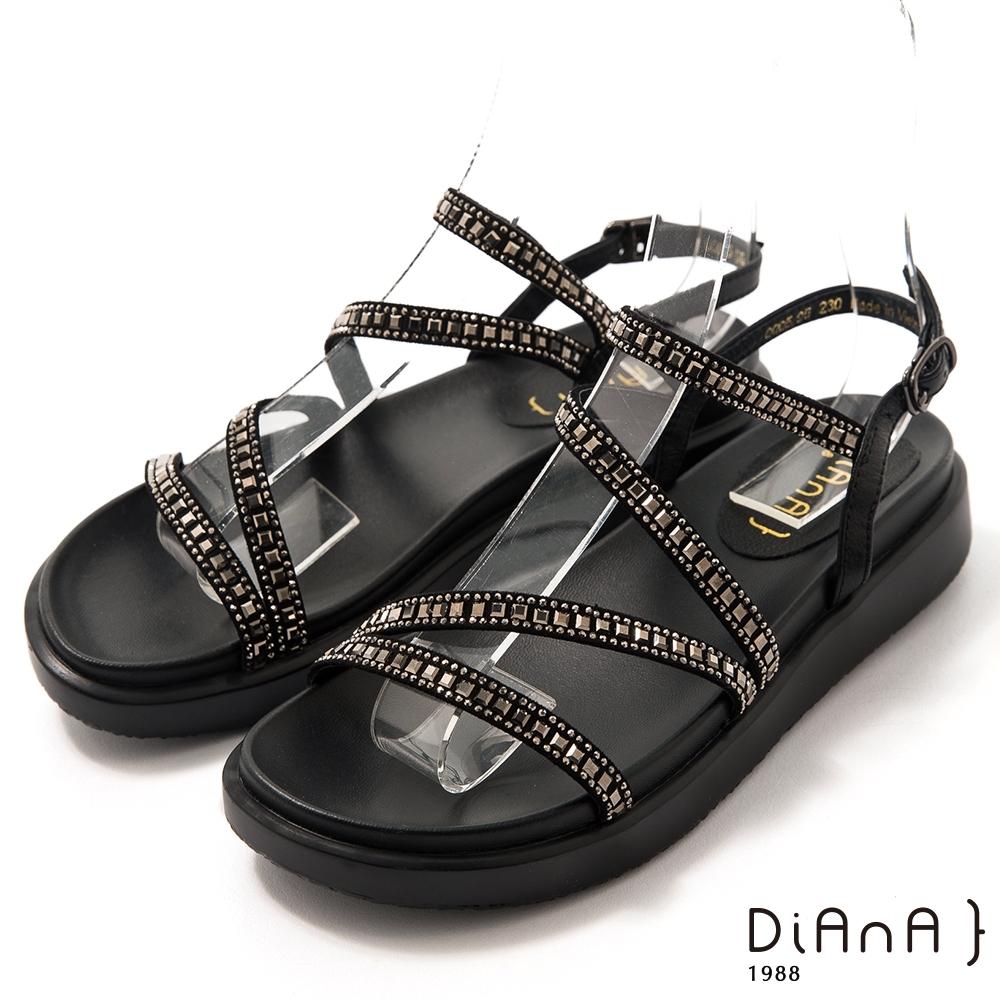 DIANA閃耀水鑽牛皮3.5公分細帶環踝圓頭厚底S勾繫帶涼鞋-極致閃耀-黑