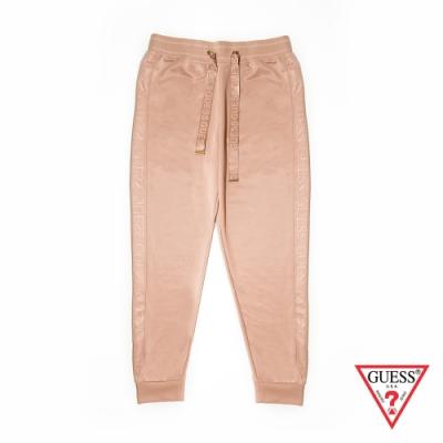 GUESS-女裝-抽繩運動休閒束口褲-膚色