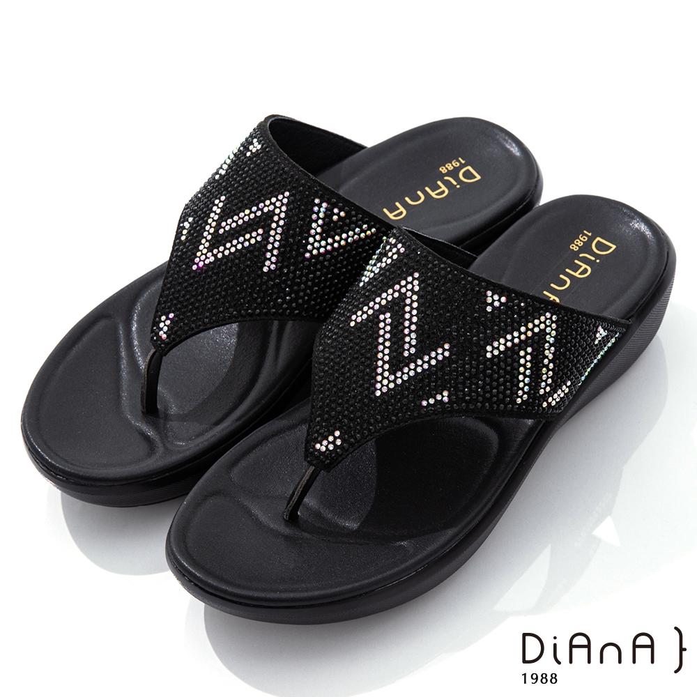 DIANA 4.5cm 閃耀水鑽幾何圖形寬板夾腳涼拖鞋-浪漫夏日-黑