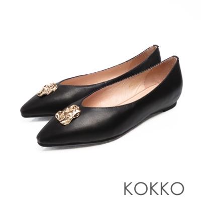 KOKKO - 超軟底方頭內增高平底鞋 - 亮面黑色