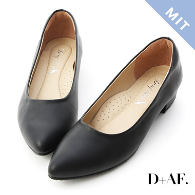 D+AF 百搭印象.MIT素面微尖頭低跟鞋*黑