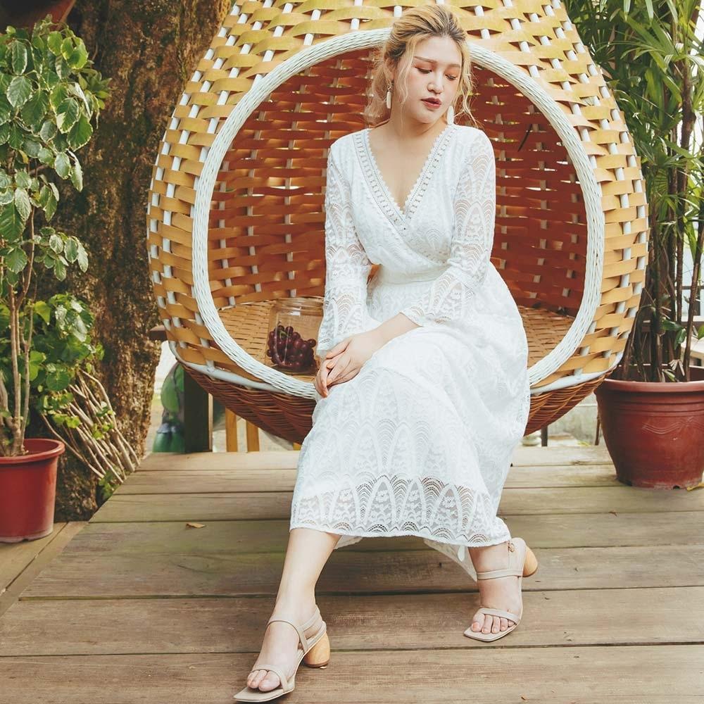AIR SPACE PLUS 浪漫蕾絲V領七分袖洋裝(白)