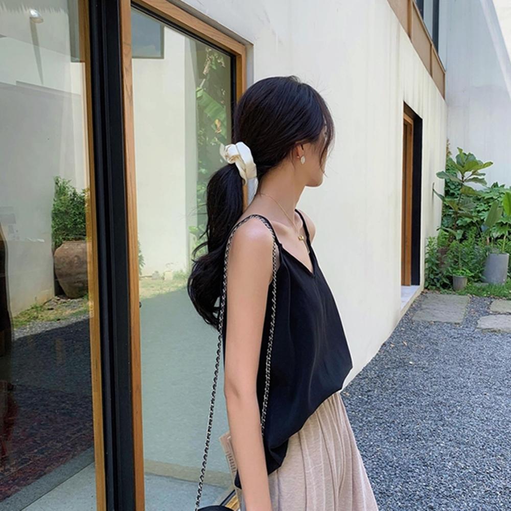 韓國空運 質感絲質細肩上衣-2色-TMH