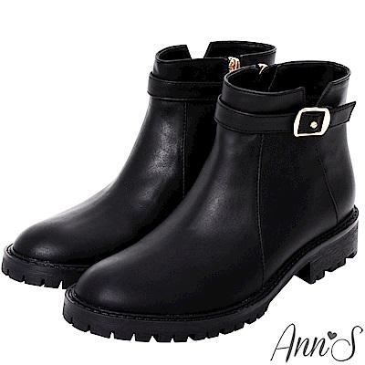 Ann'S均衡甜美模樣-帥氣小V缺口金釦帶短靴-黑