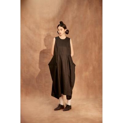CHARINYEH 立體裙擺無袖洋裝