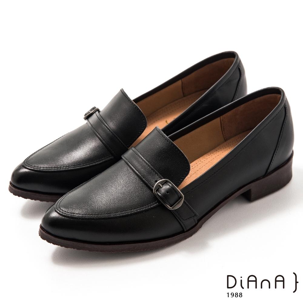 DIANA 3 cm牛皮皮帶釦飾低跟樂福鞋-漫步雲端焦糖美人–黑