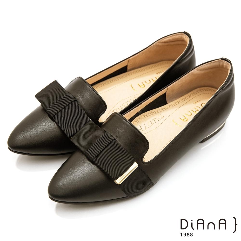 DIANA 2cm質感雙色牛皮寬帶蝴蝶結低跟樂福鞋-漫步雲端焦糖美人-絲滑黑