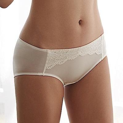 蕾黛絲-經典峰靡內衣搭配平口內褲 M-EL 珍珠白