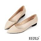 HERLS 自信女人 全真皮素面尖頭低跟鞋-米色