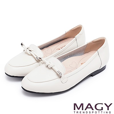 MAGY 經典英倫 簡約平結真皮平底鞋-白色