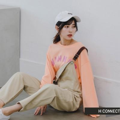 H:CONNECT 韓國品牌 女裝 -活力文字圖印落肩上衣-橘