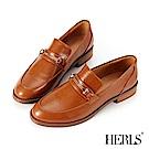HERLS 內真皮 復古學院金屬釦低跟樂福鞋-棕色