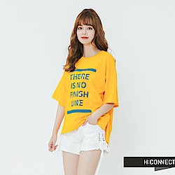 H:CONNECT 韓國品牌 女裝-落肩印字休閒T-shirt-黃