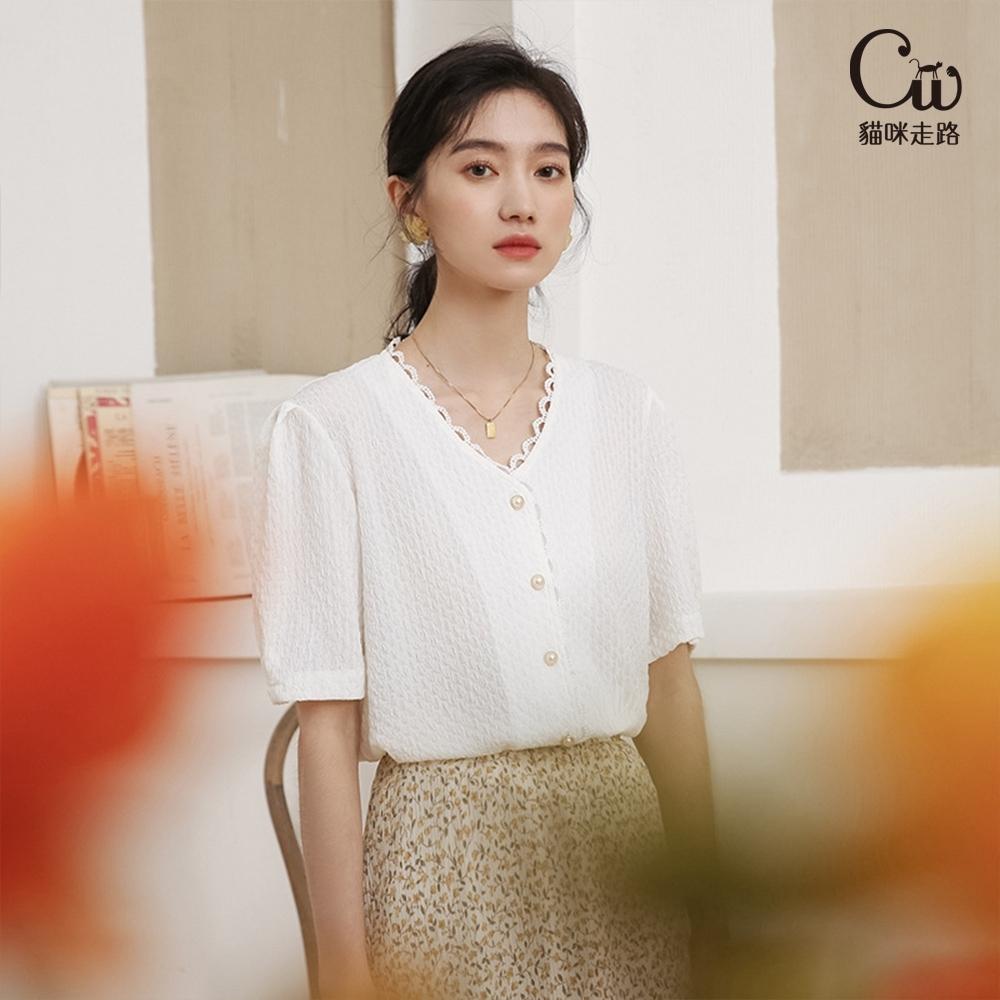 [CW.貓咪走路]復古女孩花邊V領氣質襯衫(KDT-11021) (白色)